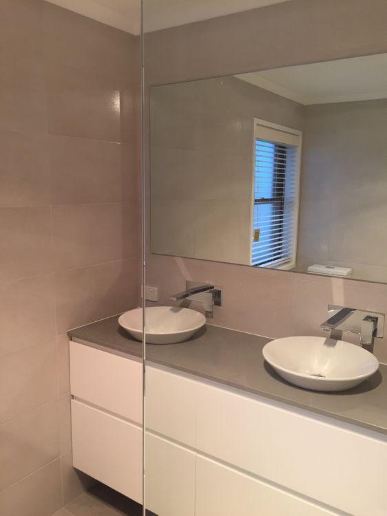 Bathroom renovations re seal bathrooms for Bathroom renovations canberra